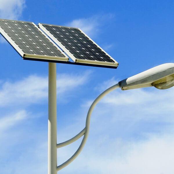 Postes solares para jardín