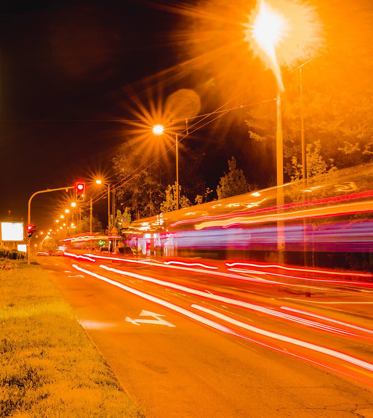 Proyecto de alumbrado público fotovoltaico en avenida