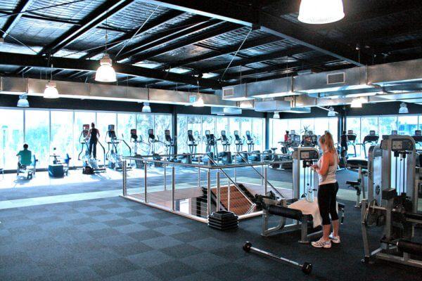 Campana LED industrial para centros deportivos