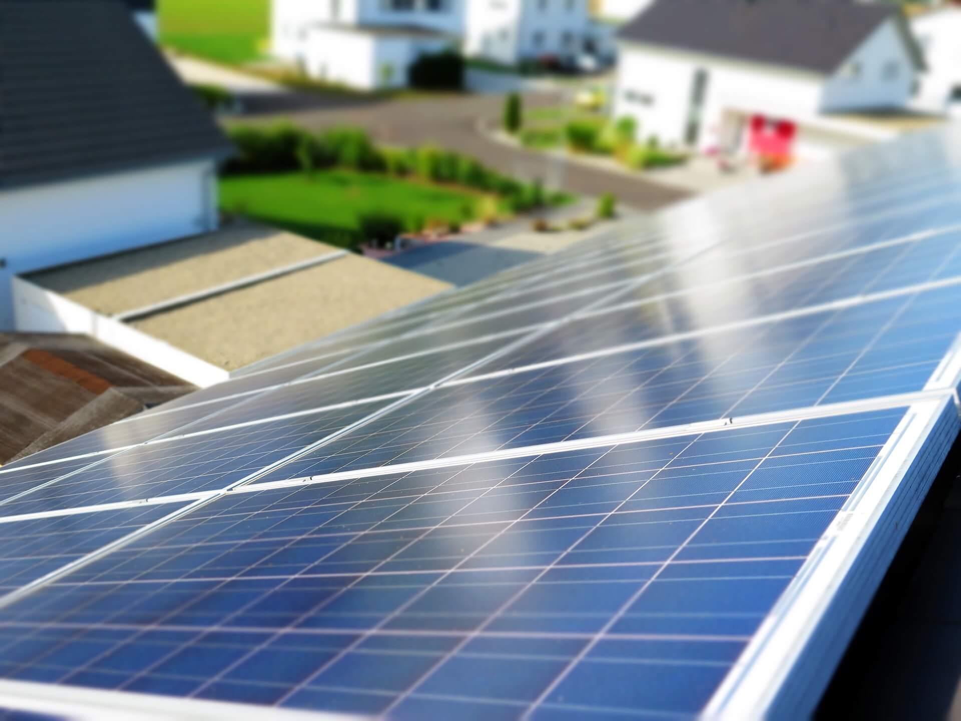 Lámparas solares LED en una casa